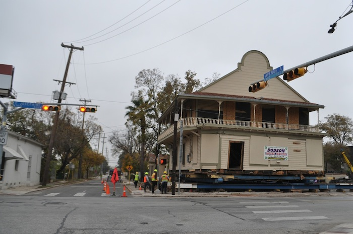 Moving Boehler House Old Liberty Bar With Dodson Credit Iris Dimmick07 San Antonio Report